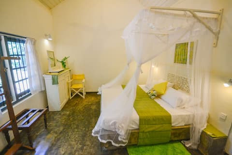 Room in Rustic Bungalow close to Negombo & Airport