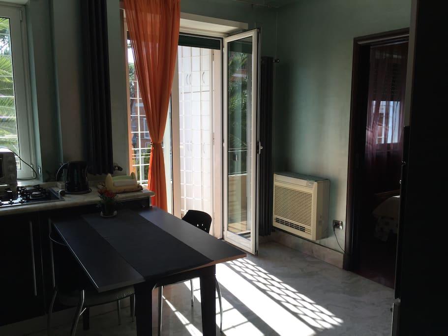 Moderno appartamentino a napoli appartamenti in affitto for Appartamenti in affitto arredati napoli