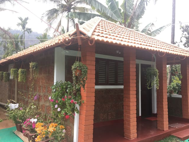 Red Hill HomeStay 2 - Aimangala - Huis
