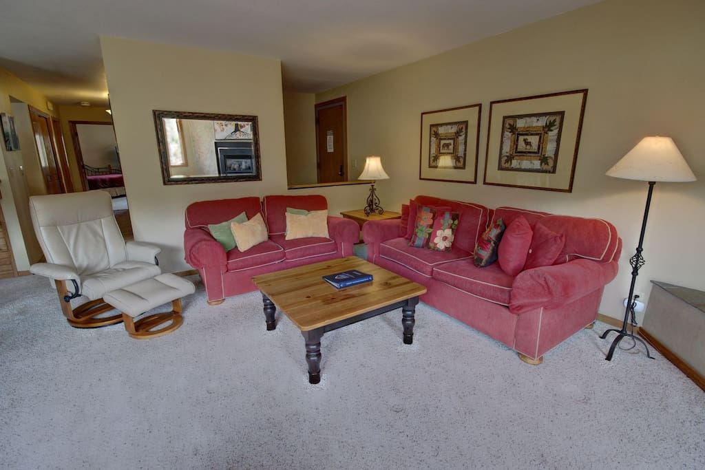 Plenty of lounging space for your group!!