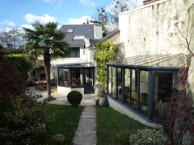 La Troglo du Cruchon - Beaumont-en-Véron - Hus
