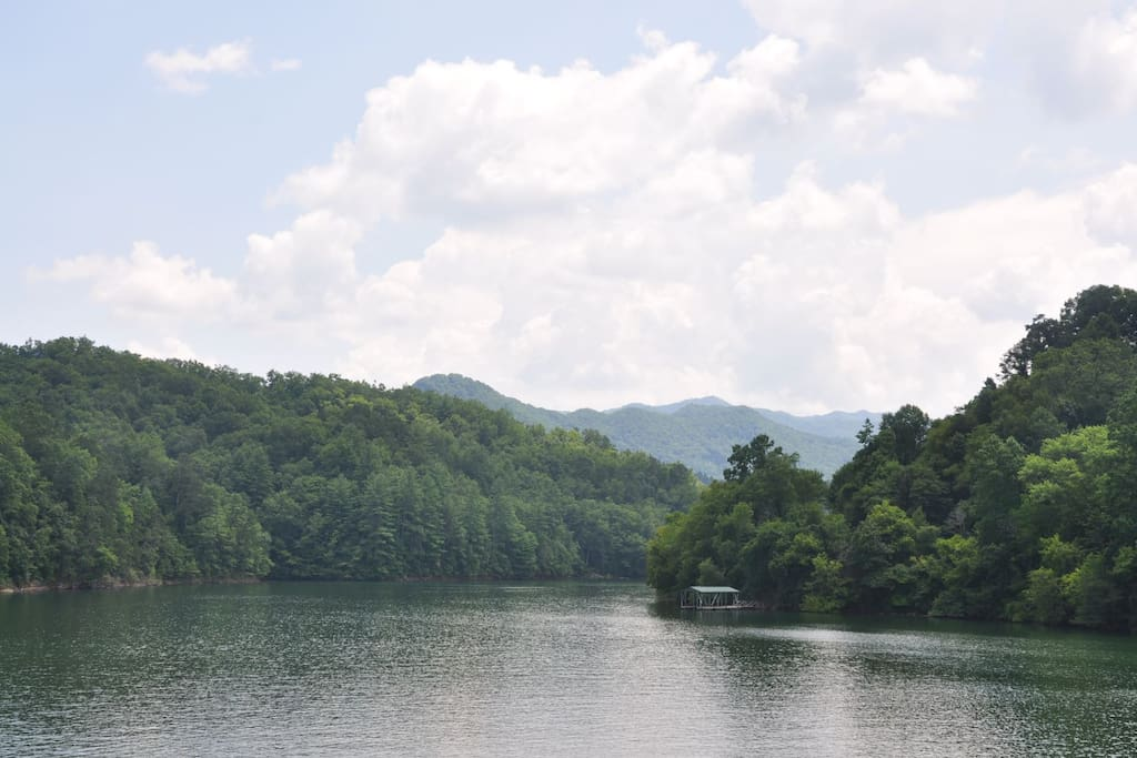 Minutes from Fontana Lake with Boating, Stand Up Paddle Boarding, and Fishing