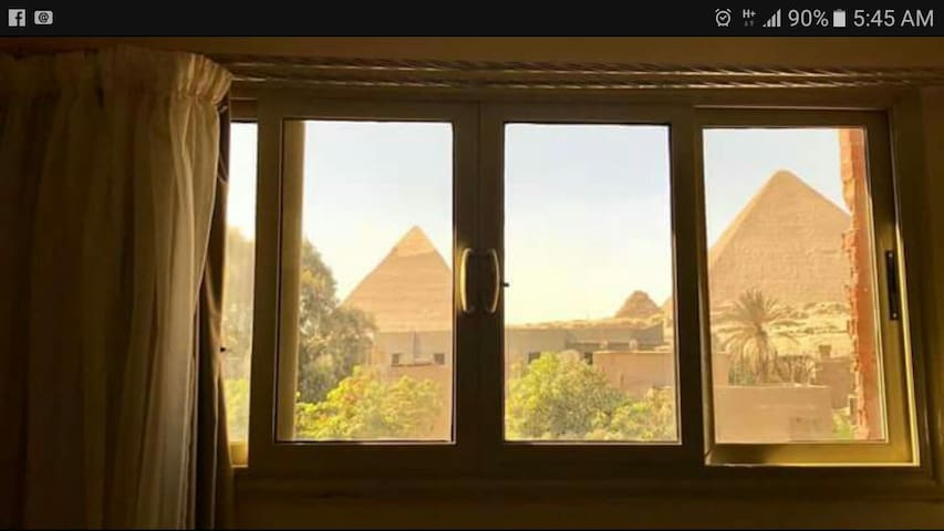 3 pyramids view inn- Hera + Free airport pick up