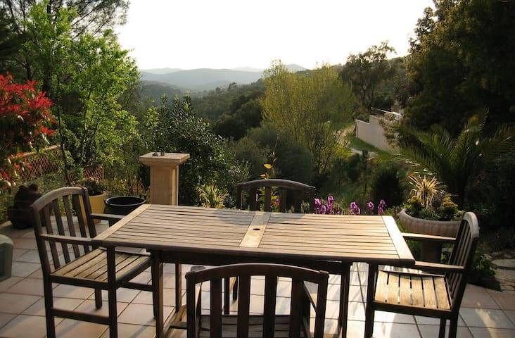 Air Conditioned Villa for 6 with Breathtaking View - La Londe-les-Maures - Villa