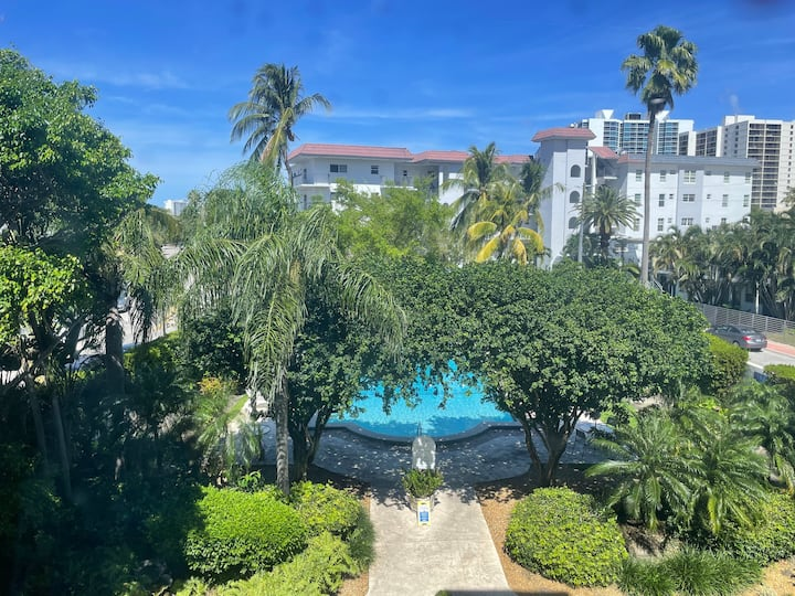 One Bedroom Apartment right on South beach