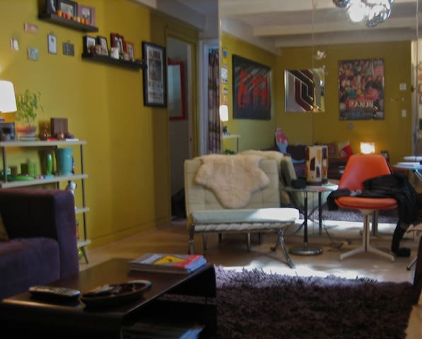 Groovy NYC Pad Central Location Apartments For Rent In New York New York