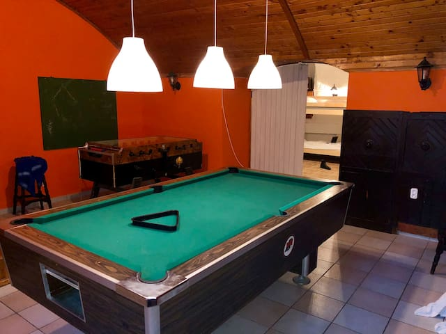 Whole basement former Pub 4 stag do/20p/pool table