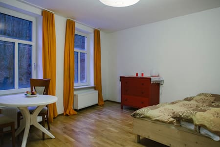 Small flat in old house - Salzburg