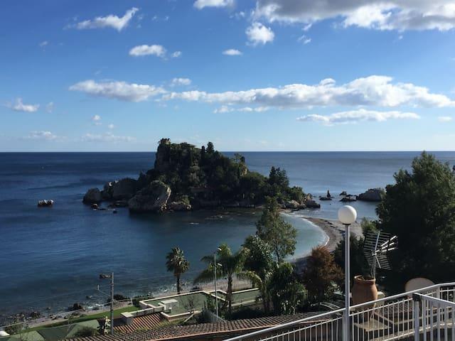 Sunny terrace on the mediterranean - Letojanni - Leilighet