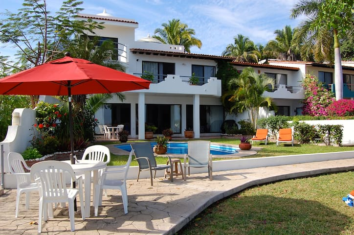 Private Ocean Front Home - La Cruz de Huanacaxtle - House