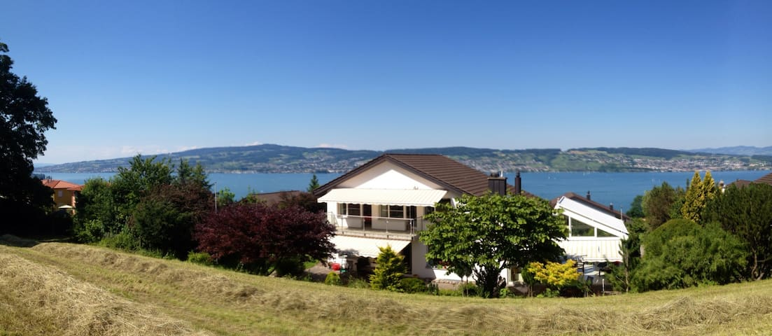 Best lake-view room w/ own bathroom - Wädenswil - Hus