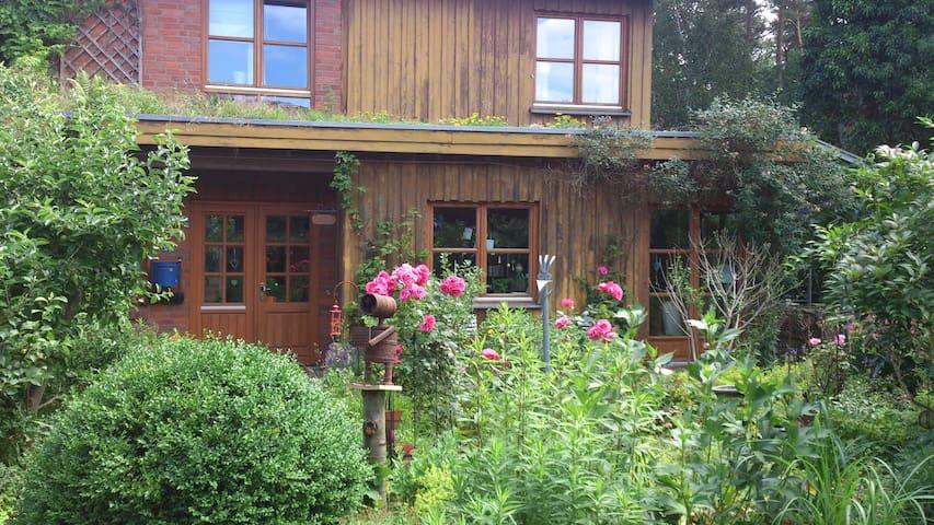 Ökohaus mit Garten und Wald - Lingen (Ems)