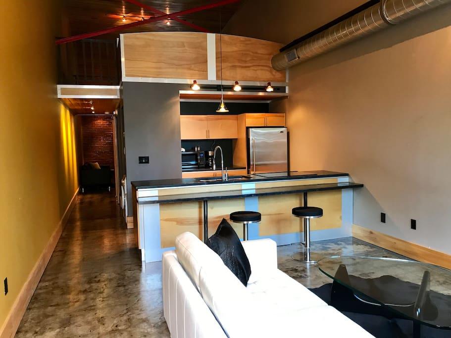 hangar lofts hotel 002 2mi to vista usc dt ft j lofts for rent in columbia south carolina. Black Bedroom Furniture Sets. Home Design Ideas