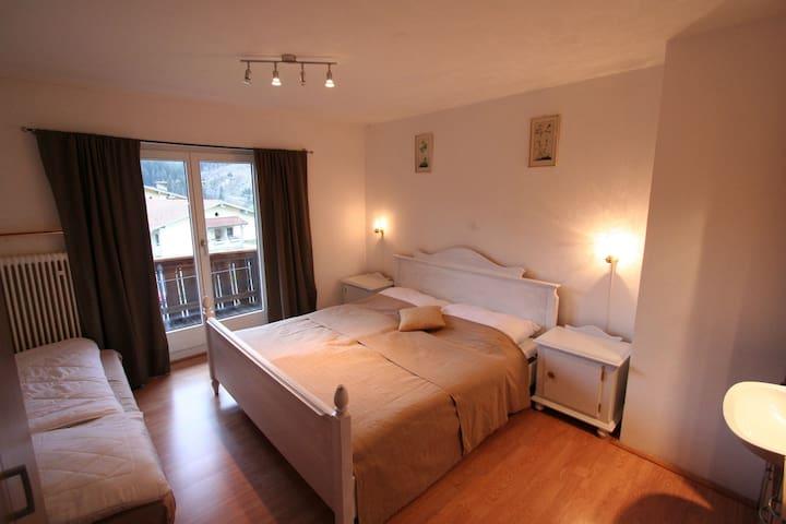 Lovely Pet-friendly Apartment in Hopfgarten