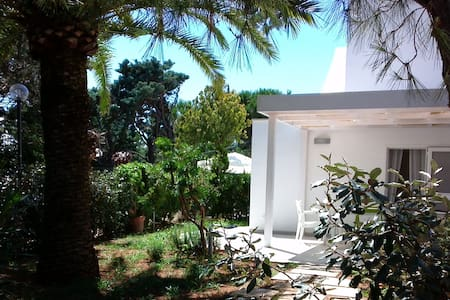 Ostuni, Rosa Marina cosy villa by the sea - Vila