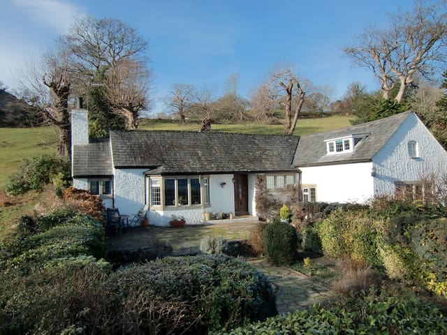Beautiful 3 bed detached cottage  - Llanbedr-y-cennin - Rumah