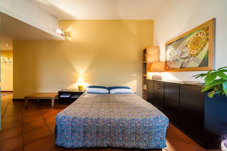 COMODO MONOLOCALE PER EXPO/FIERA - Saronno - Lägenhet