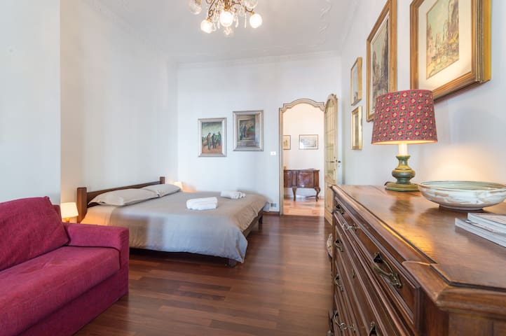 Three-bedroom flat in city center - Turin - Apartment