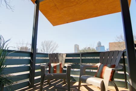 Luxury and Fab Location w/ a View! - Austin - House