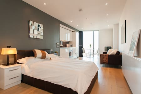 Contemporary Central London Studio - London Borough of Southwark - Apartment