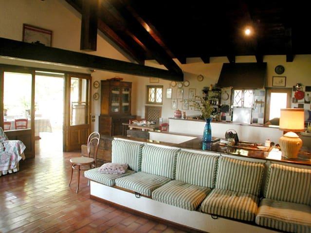 La Rovaia - Monfumo - Casa