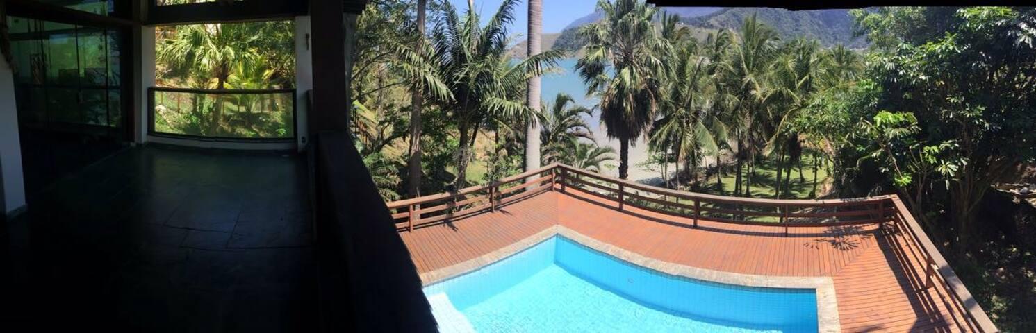Ocean View - Linda Casa frente ao Mar - familiar - São Sebastião