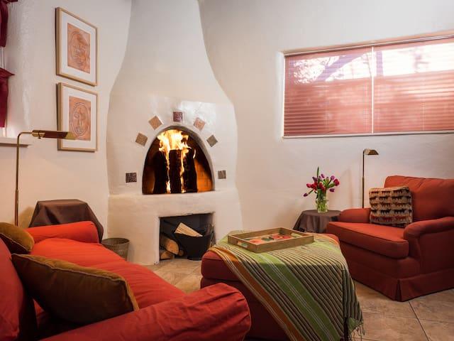 Santa Fe hideaway for Year's Fests