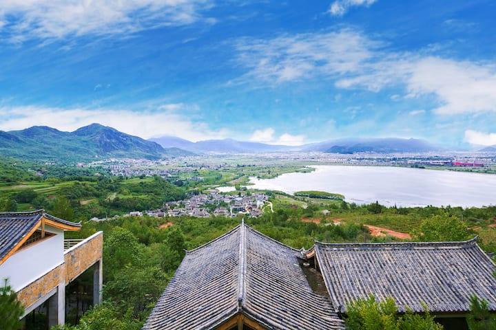 丽江-雪山湖景-独栋别墅-文笔海旁-千古情附近-自驾首选-免费停车-最多可住三位-cliff的家