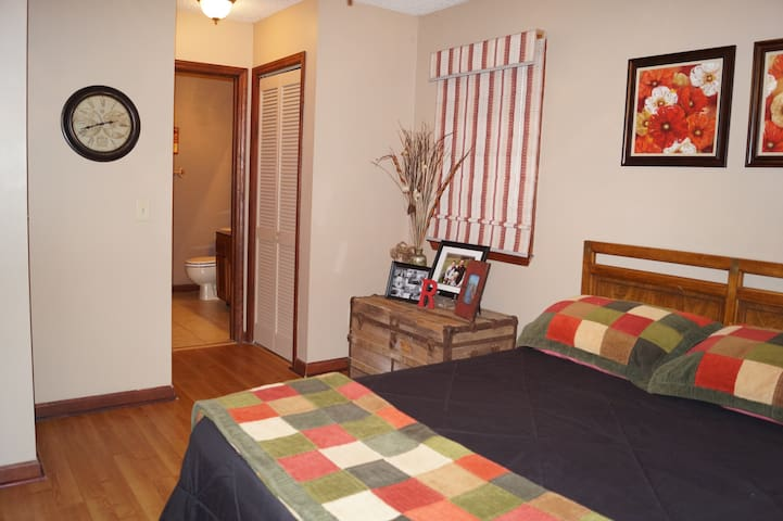 Cozy Room on Watauga River - Banner Elk - บ้าน
