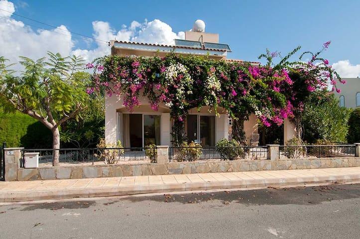 Villa Daniella, Coral Bay
