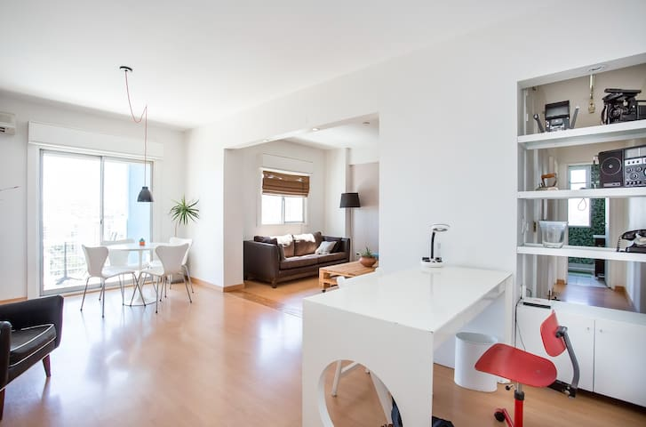 Cool and sunny Apartment in Palermo