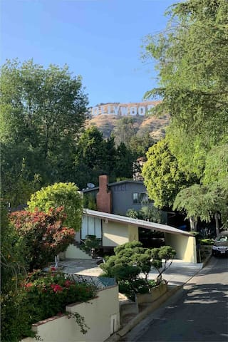 Live like a  star , steps from the Hollywood sign