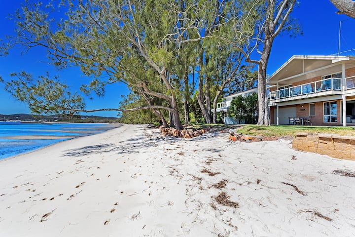 Sandranch, 123 Foreshore Drive
