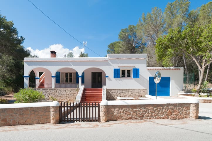 Casa Ses Beies. Cala Salada. IBIZA - Sant Antoni de Portmany - Ház