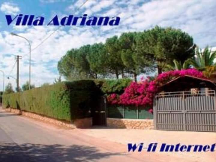 Villa Adriana distante 300mt.dal mare Lido di Noto
