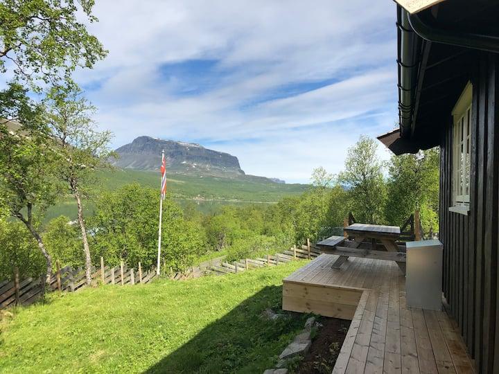Helin i vakre Vang i Valdres. Velkommen til støls!