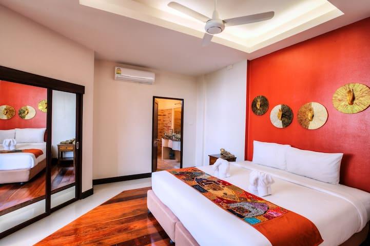 Ground Floor Suite master bedroom