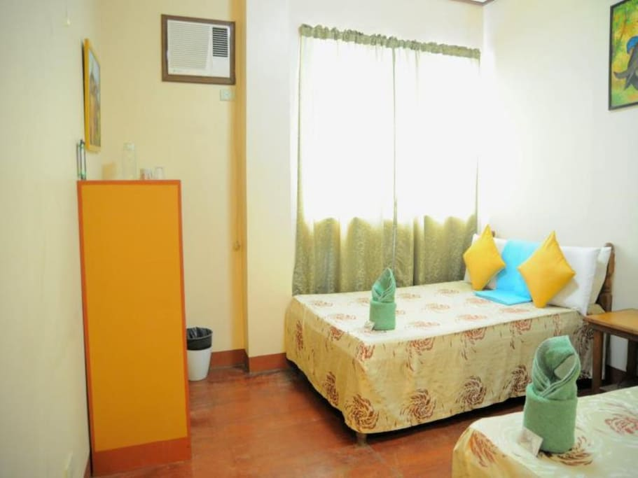 Double Executive Room (1 Double Bed & 1 Single Bed)