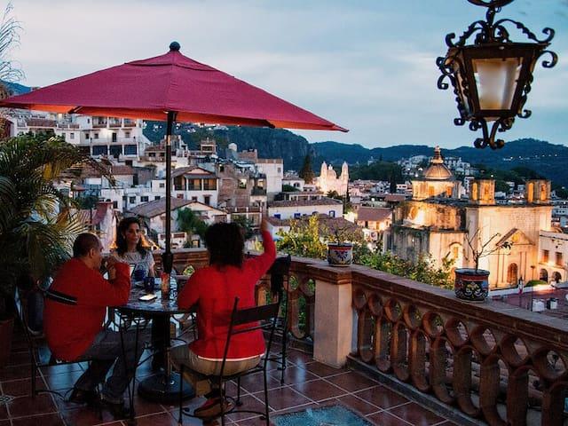 """Romántico Bungalow """"El Farolito de Fer"""" Taxco"""