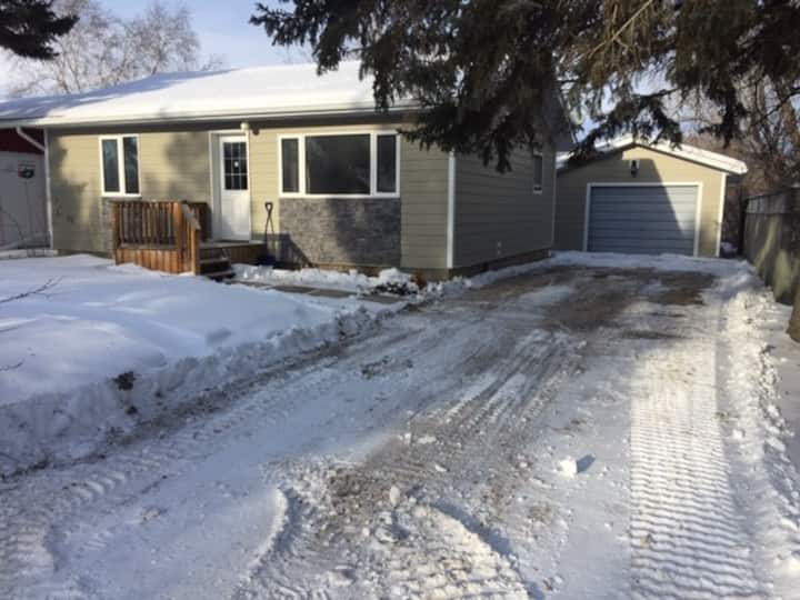 Private bungalow detached garage 2 bed 1 bath