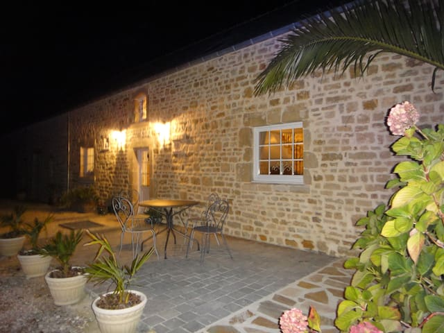 BED & BREAKFAST  - Fontenay-sur-Mer - House