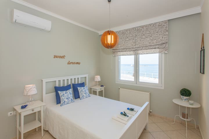 Artistic apt in front of the sea - Chania - Byt