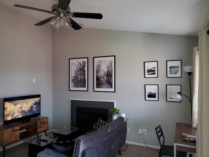 Cute & Cozy Rental for Small Gatherings