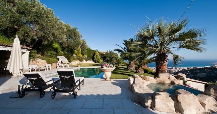 Nice Luxury Holiday Villa