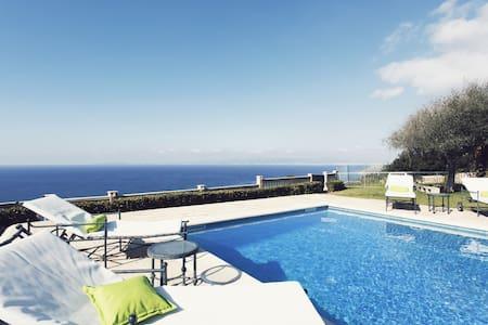 Villa Lux on the cliff. - Sa Torre - 別墅