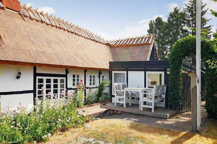 Charmerende stråtækt hus  - Havdrup