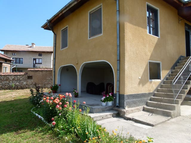 Fully equipped lovely Rural Villa - Dorkovo