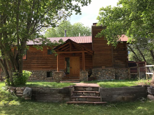 Log House at the Colorado Trail