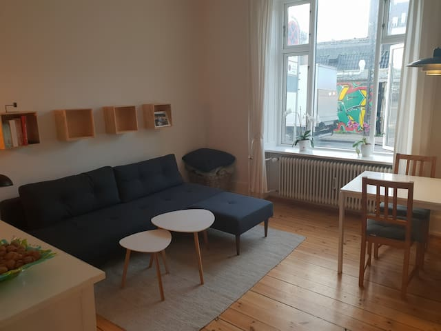Family friendly apartment close to city center.