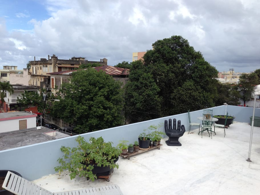 rooftop access...20 + Rest. 6 min walk